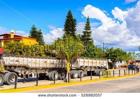 Road Words Truck Banco de imágenes. Fotos y vectores libres de.