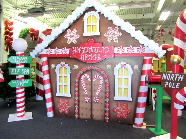 17 Best ideas about Santas Workshop on Pinterest.