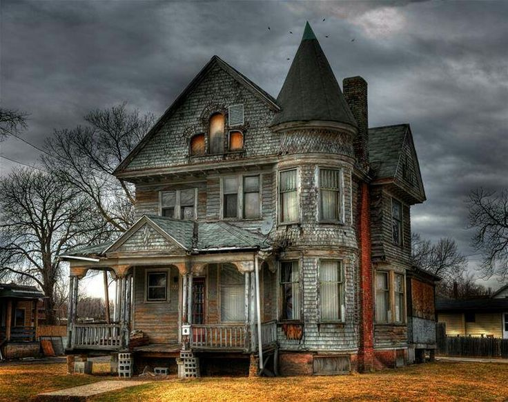 17 Best images about Haunted Houses? on Pinterest.
