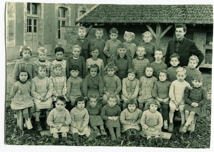 Photo de classe Saulces Champenoises de 1953, Ecole De La Grand.