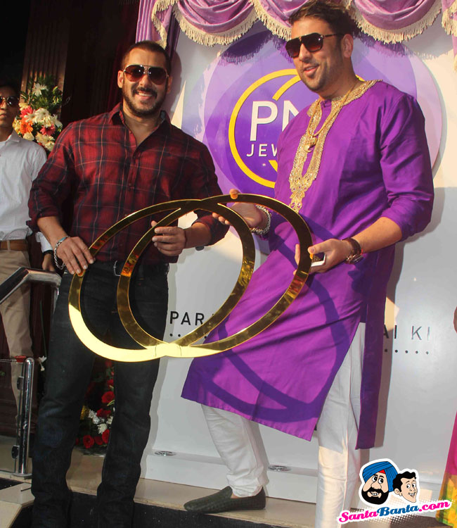 Salman Launches New Logo For PNG Jewellers.