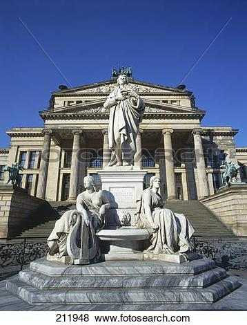 Pictures of Statues in front of concert hall, Schiller Monument.