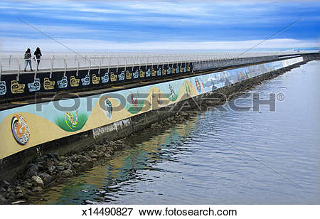 Picture of Victoria breakwater sea wall walkway x14490827.