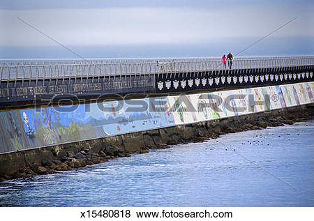 Pictures of Victoria breakwater sea wall walkway x15480818.