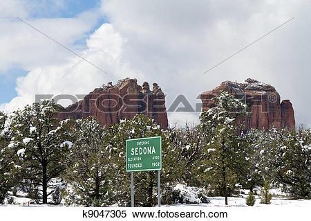 Stock Image of Entering Sedona Arizona in Winter k9047305.