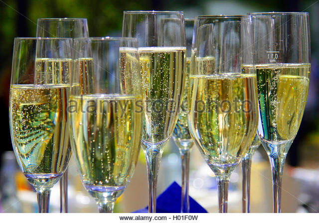 Glas Champagne Stock Photos & Glas Champagne Stock Images.