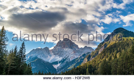 Dolomiten Stock Photos & Dolomiten Stock Images.