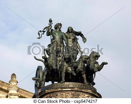 Picture of The panther quadriga at the semperoper.