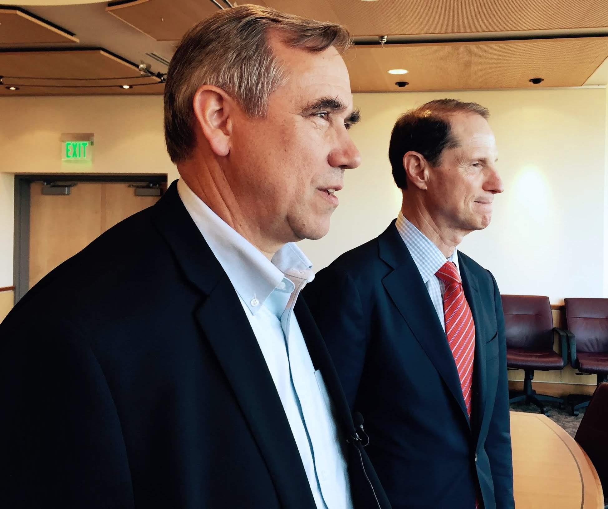 Oregon Senators Wyden, Merkley Propose National Vote.