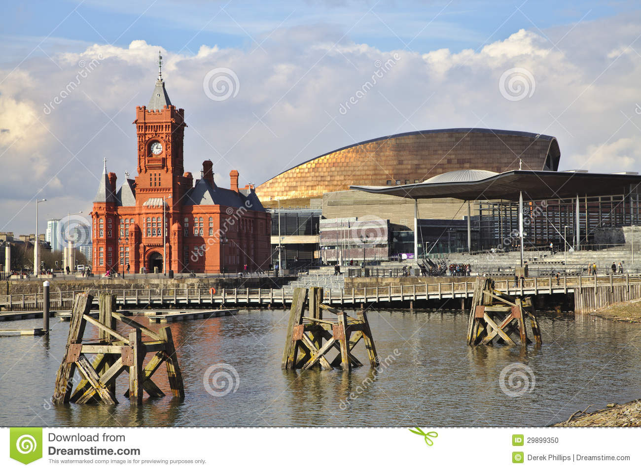 Cardiff Bay With Senedd And Millenium Centre Stock Photo.