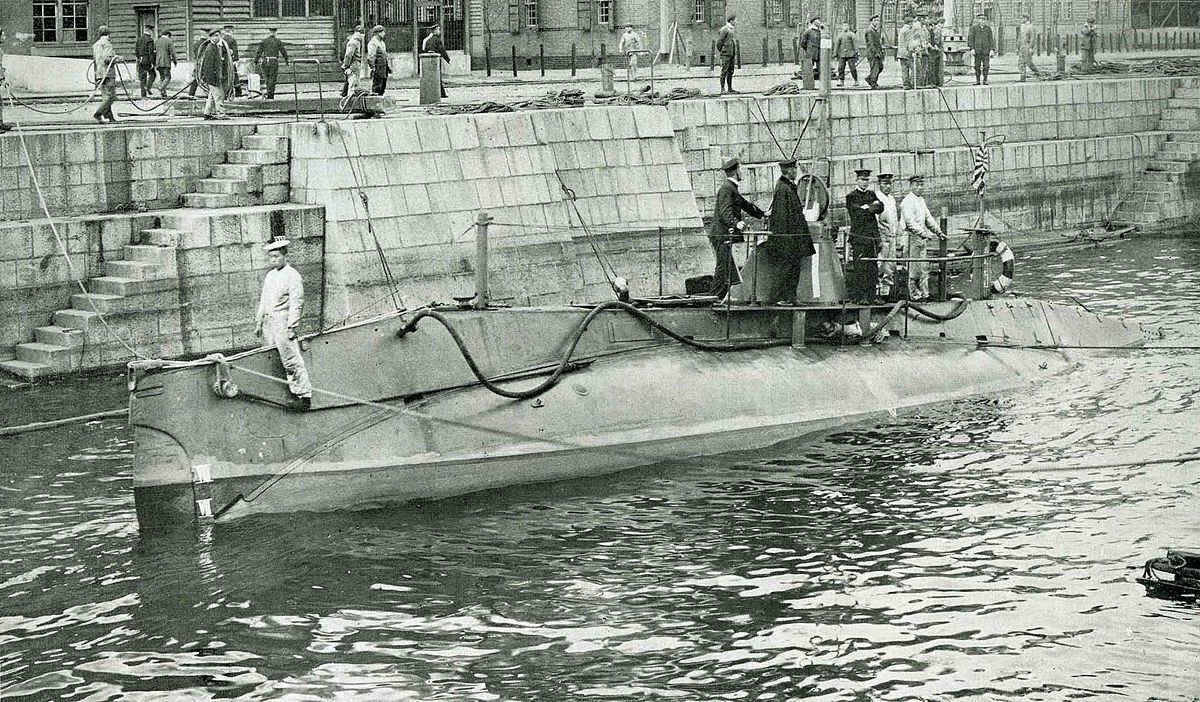 Submarines of the Imperial Japanese Navy.