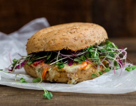 13 Hummus Sandwiches That'll Solve All Your Lunch Problems.