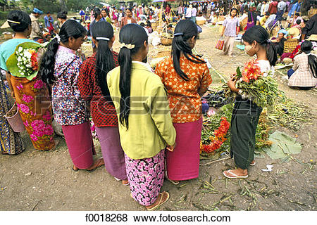 Pictures of Myanmar, Shan state, Inle lake, market f0018268.