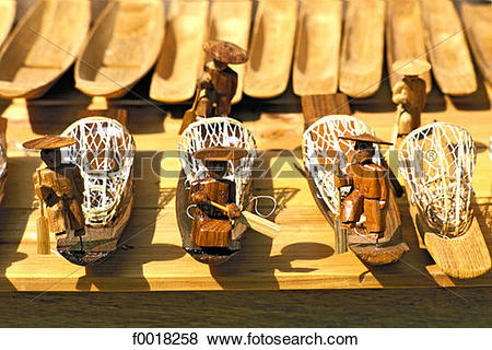 Pictures of Myanmar, Shan state, Inle lake, souvenirs f0018258.