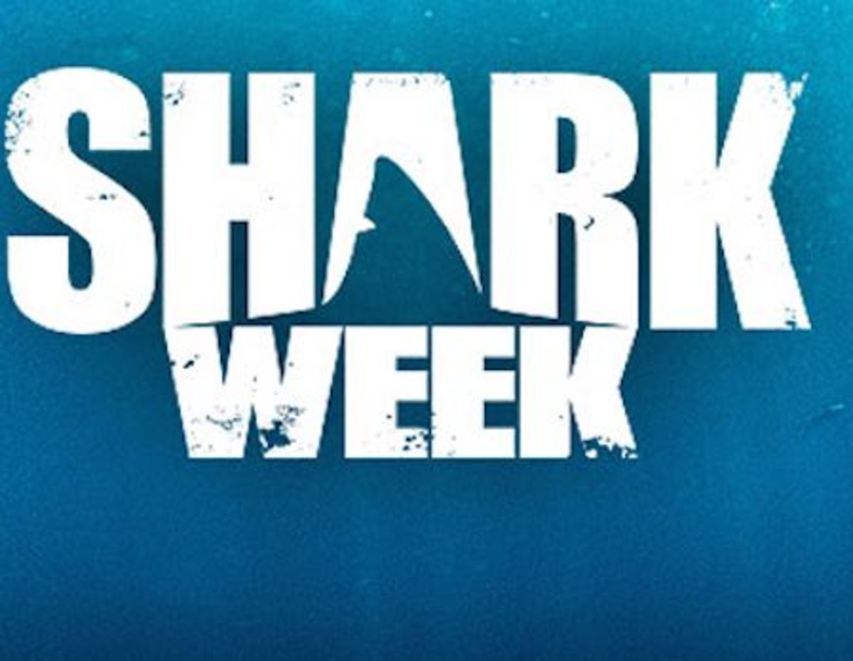 Discovery Hooks Snapchat for \'Shark Week\' Series.