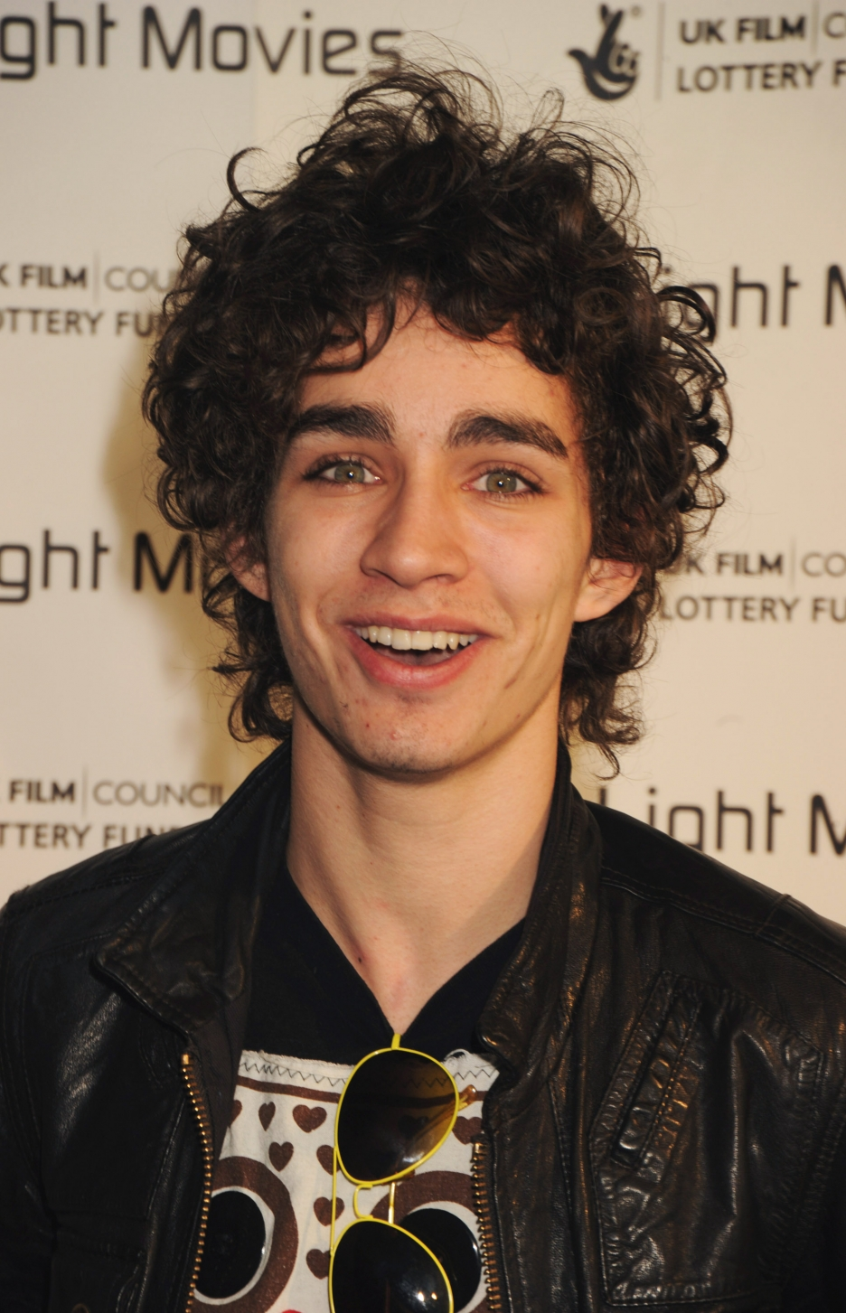 Robert Sheehan Clipart.