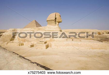 Stock Photo of Shinx with Great Pyramid , Giza x75275403.