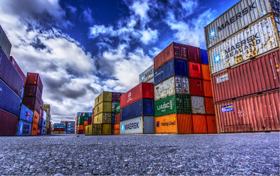 How can smart containers help shipping companies.