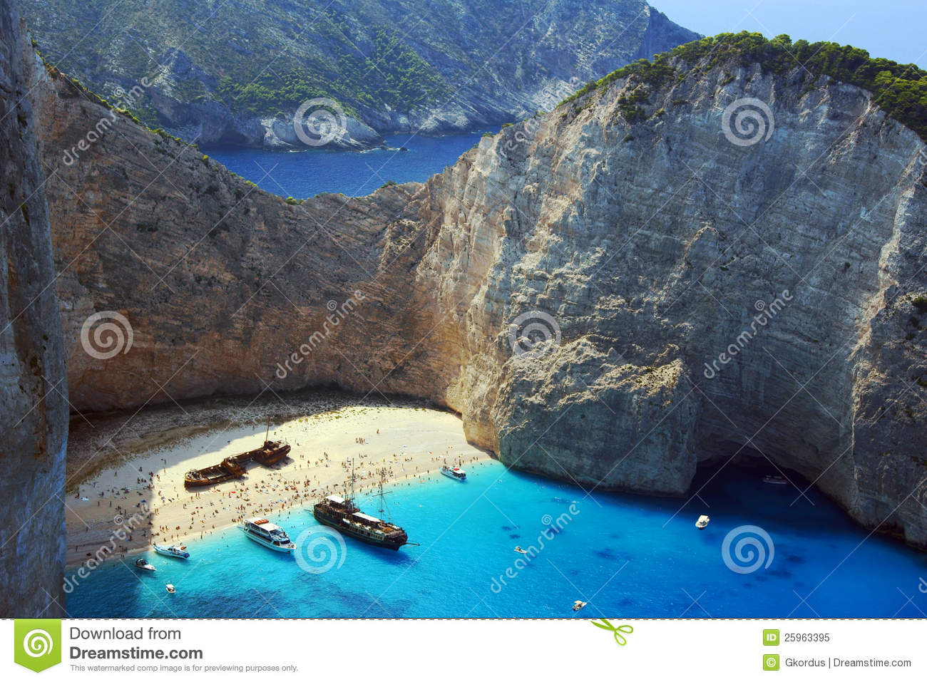 Boats And Shipwreck Beach At Zakynthos Island Royalty Free Stock.