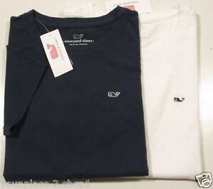 Details about Vineyard Vines Women\'s S/S Embroidered Whale Logo Crew.