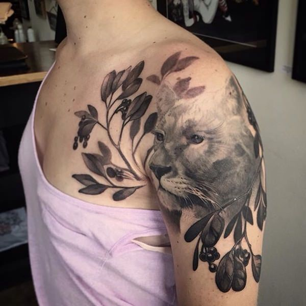 70 Magnificent Shoulder Tattoo Designs.