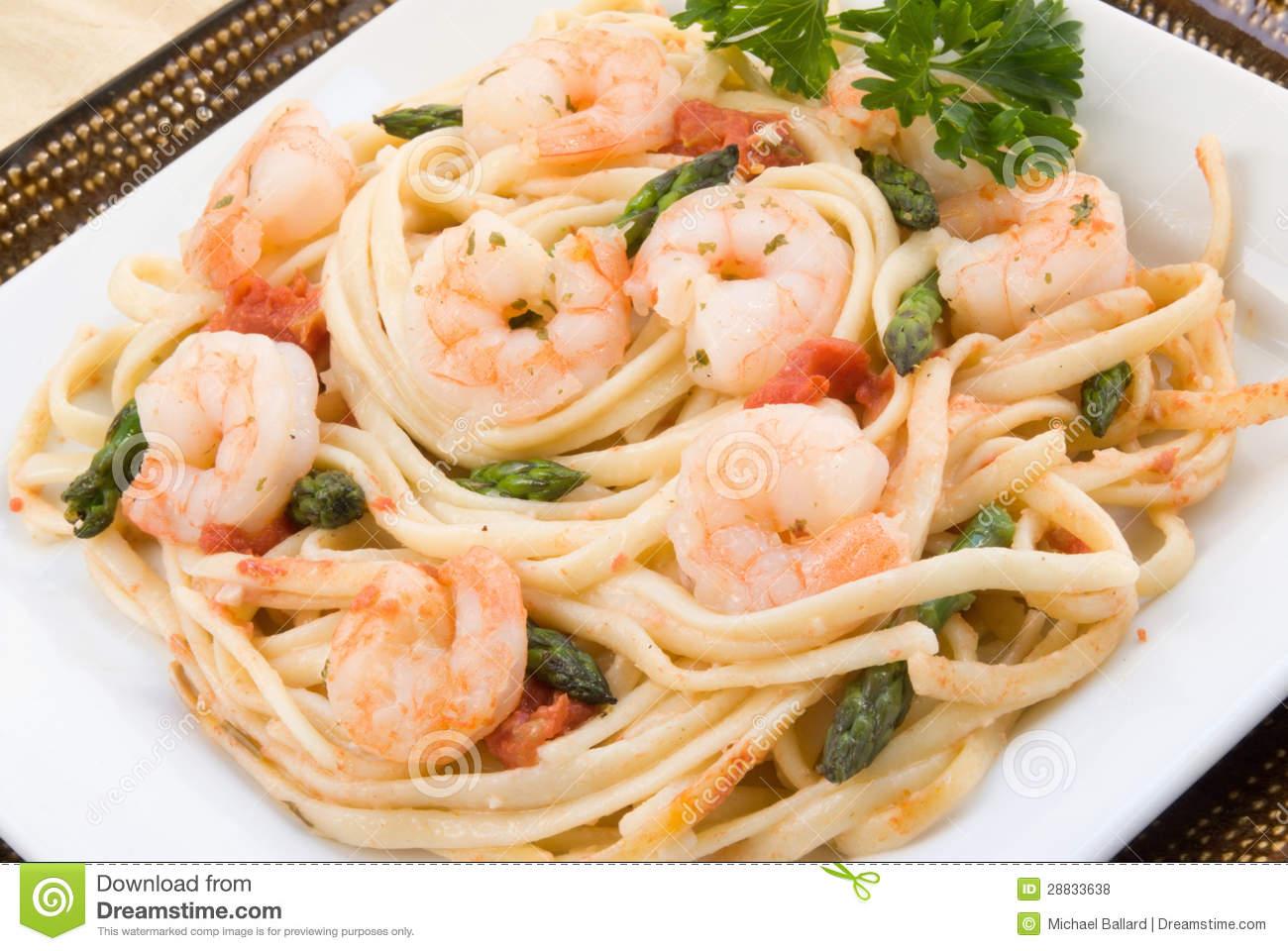 Shrimp Scampi With Asparagus Royalty Free Stock Photos.