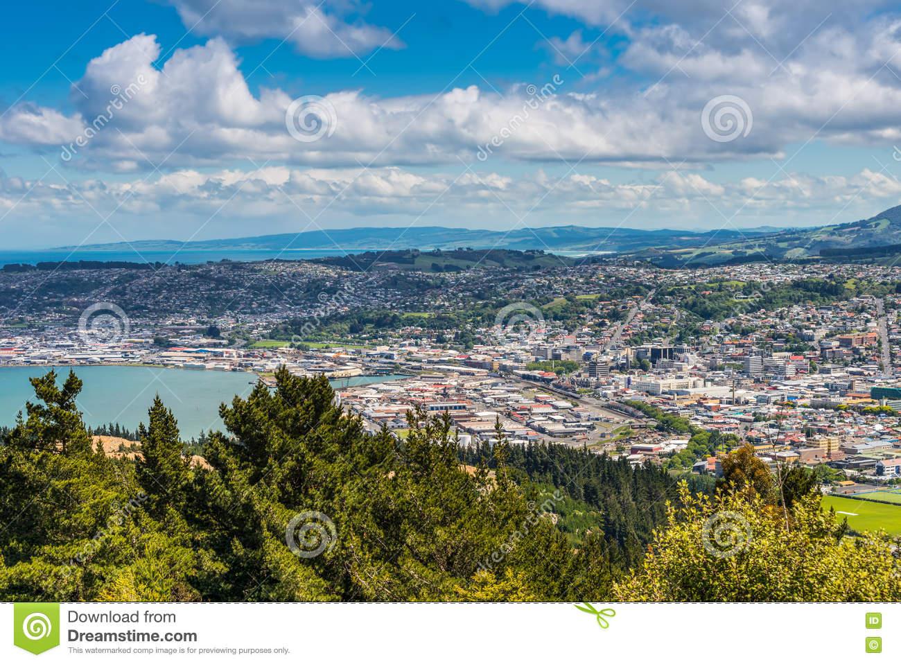 Dunedin Seen From The Peak Of Signal Hill, New Zealand Stock Photo.