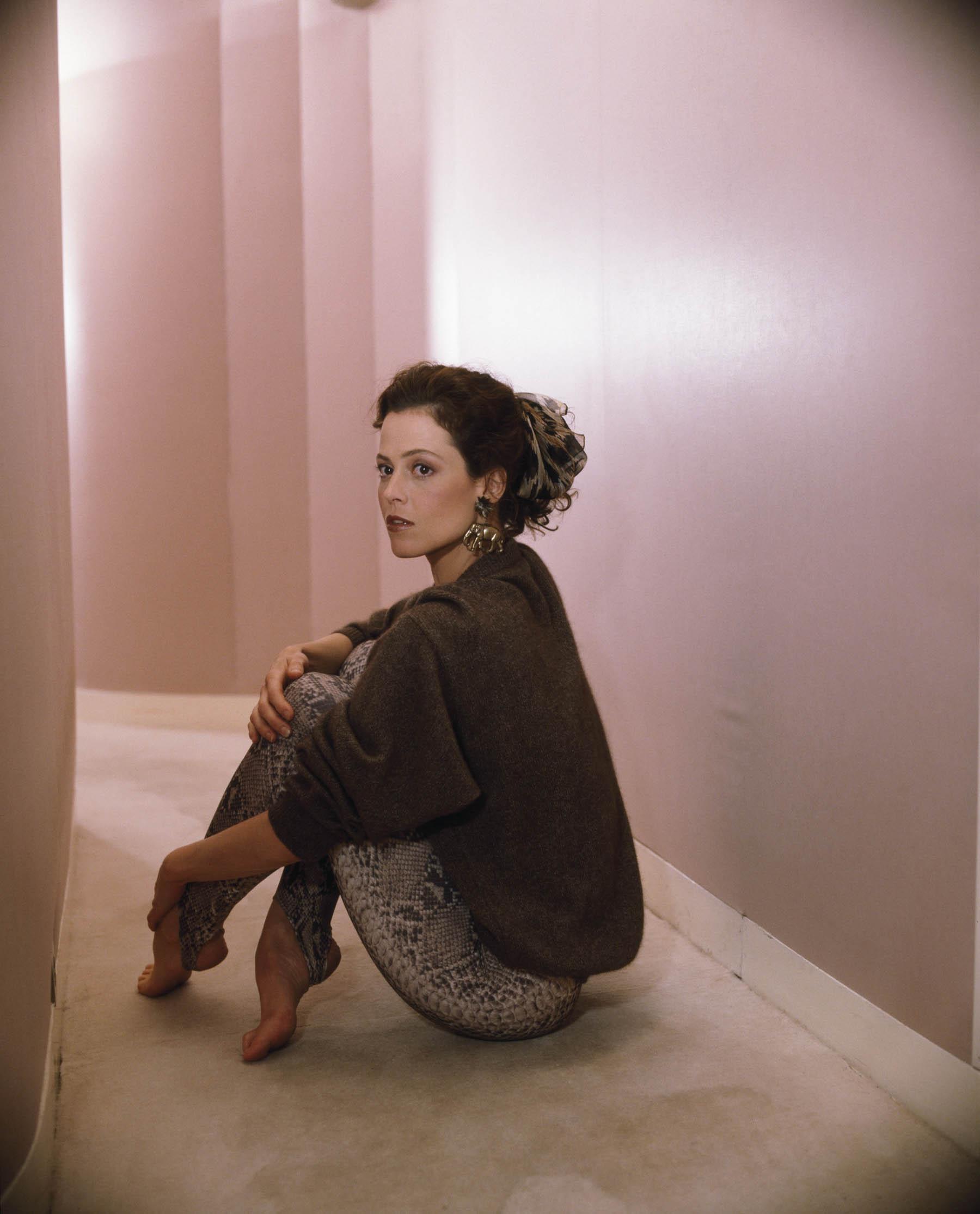 Sigourney Weaver's Feet << wikiFeet.