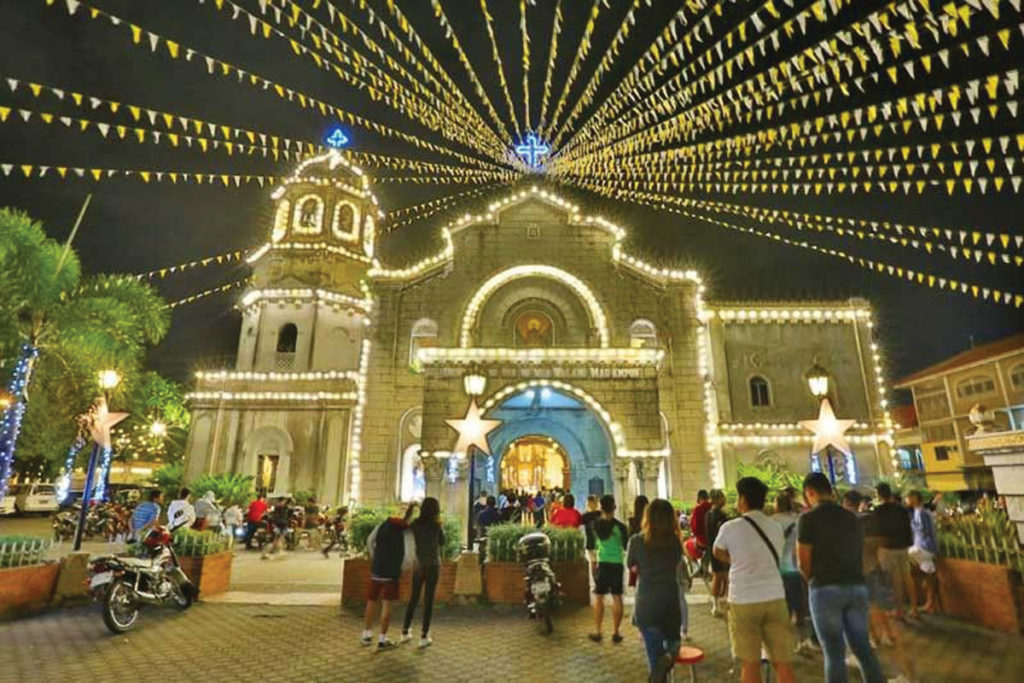 Simbang Gabi\' at Holy Redeemer in Bangkok on December 16.