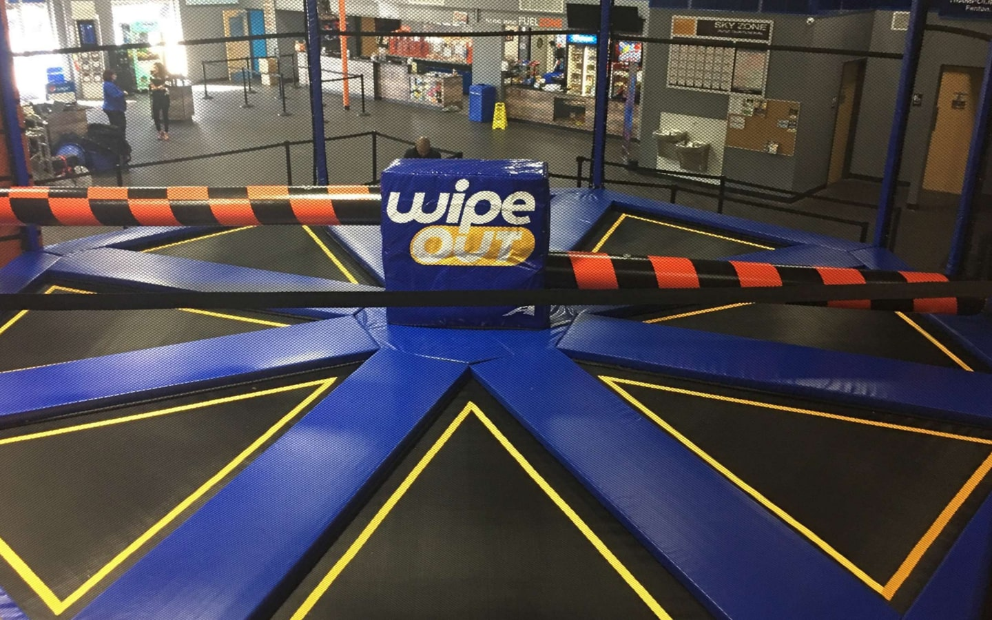 Sky Zone Dubai in Ibn Battuta Mall: Attractions, Prices.