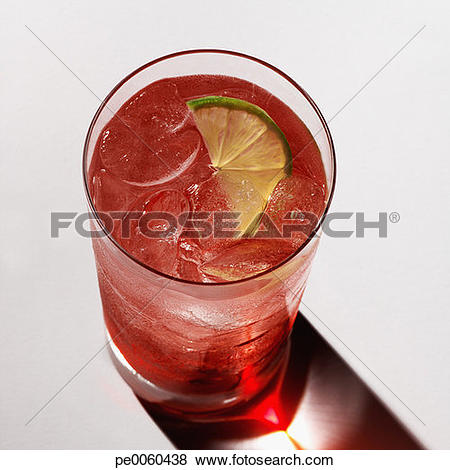 Pictures of Beverage indoors with lime slice and ice pe0060438.