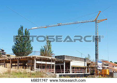 Picture of A small crane on empty construction site k6831747.