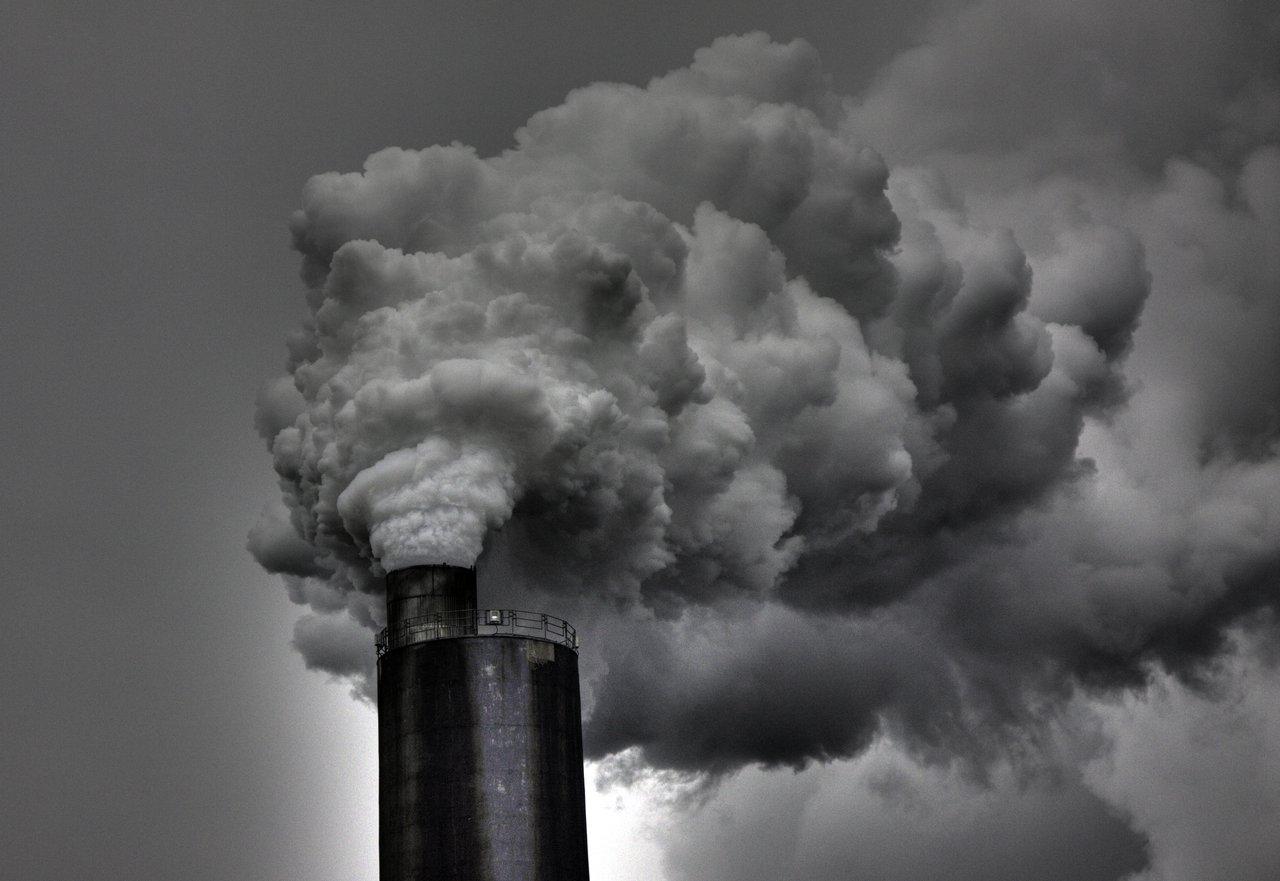 Smoke stack png 3 » PNG Image.