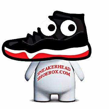 Sneakerhead Shoebox (@GiantShoeBox).