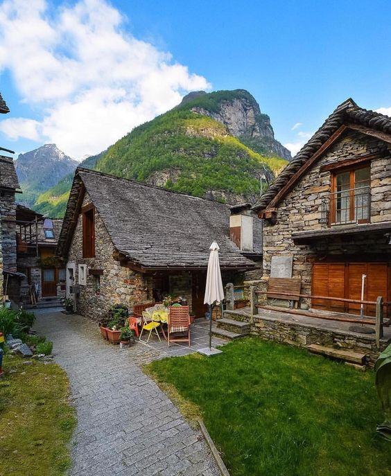Sonogno, Ticino.