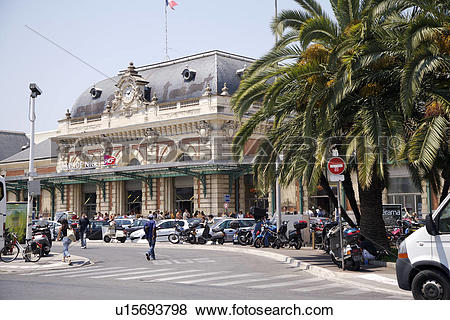 Pictures of Street scene in Nice, South France u15693798.