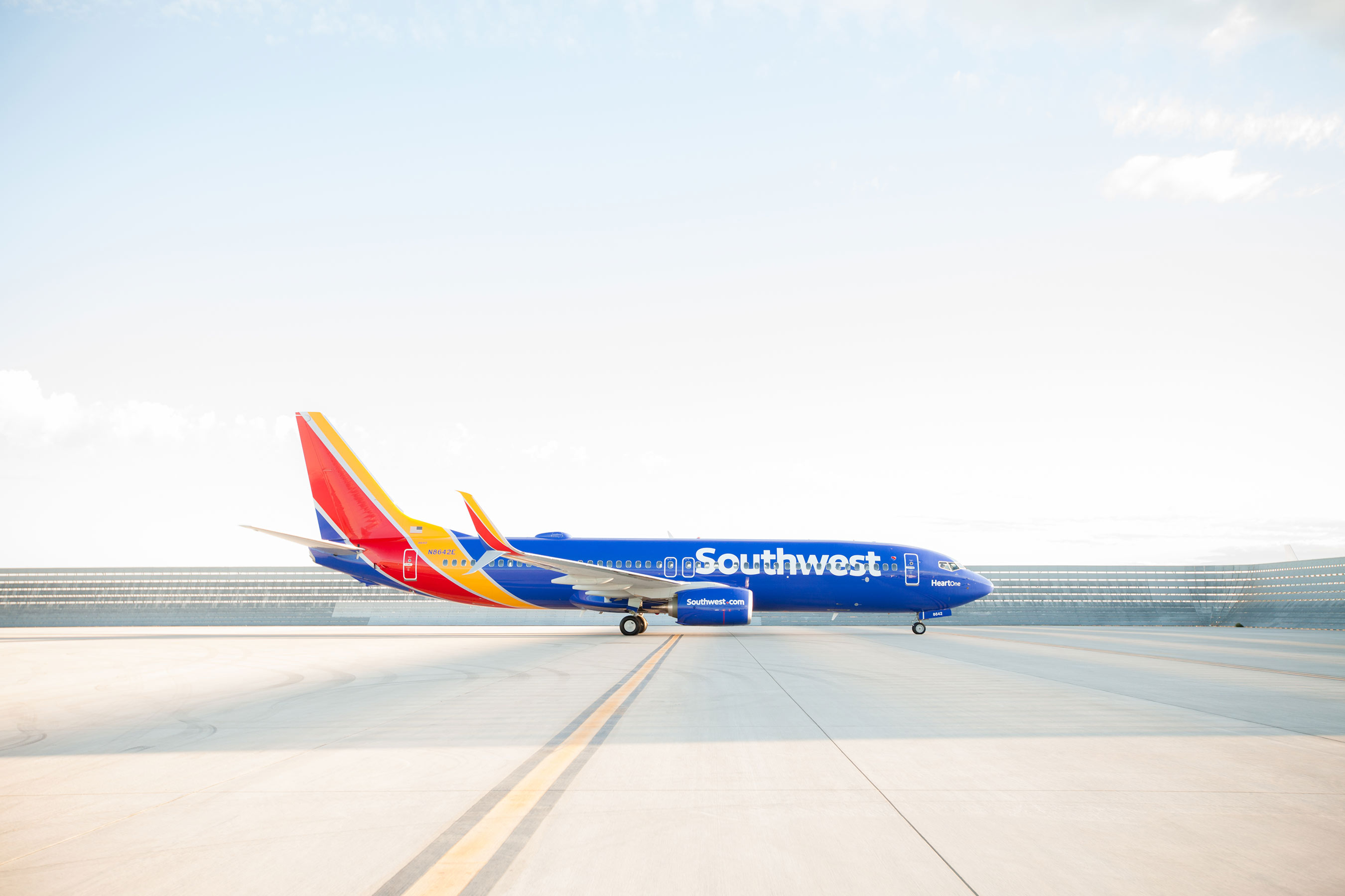 SOUTHWEST AIRLINES UNVEILS ITS NEW LOOK, SAME HEART.