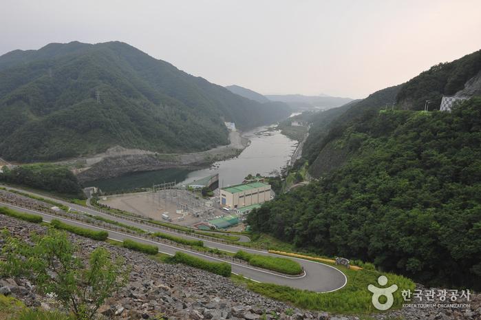 Soyang Dam (소양댐).