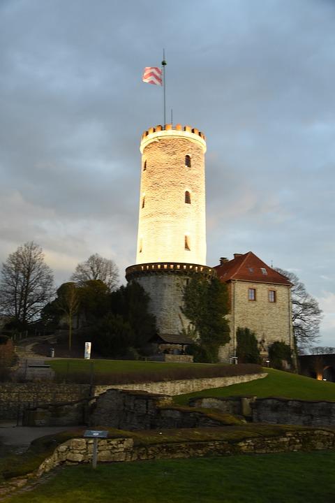 Free photo Bielefeld Historically Sparrenburg Twilight Tower.