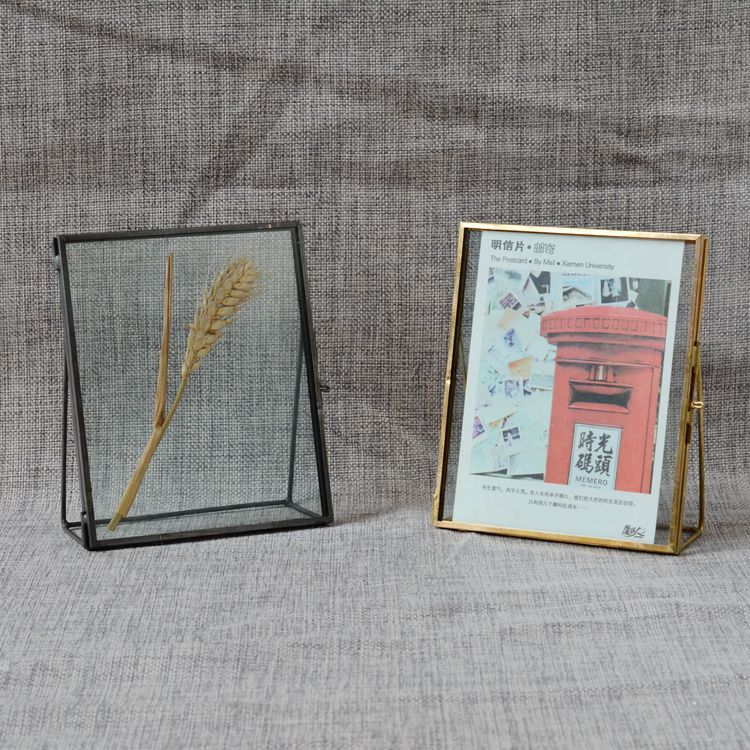 Continental retro vertical glass frame glass specimen holder frame.