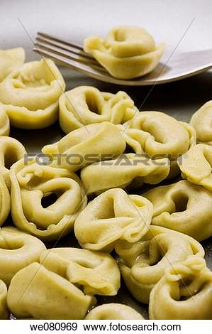 Stock Photograph of Spinach tortellini we080969.