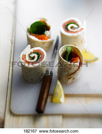 Picture of Smoked salmon and fresh spinach wrap 182167.