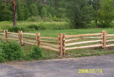 Cedar split rails fence pictures 4.