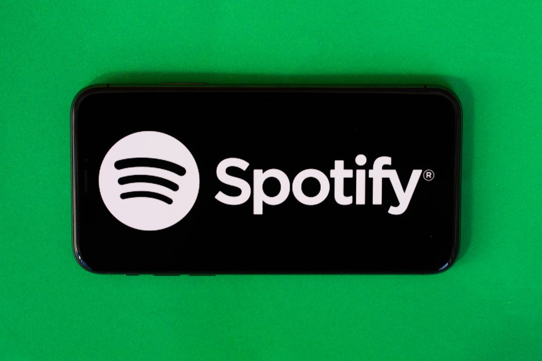 Spotify wants to feed your podcast addiction with a daily.