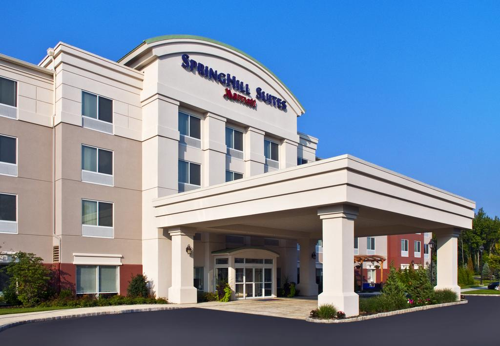 Hotel SpringHill Suites Long Island, Bellport, NY.
