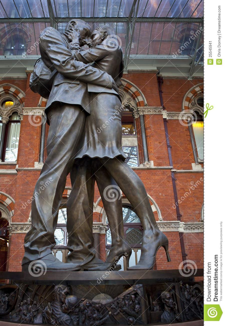 The Meeting Place Sculpture At St Pancras Station Stock Image.