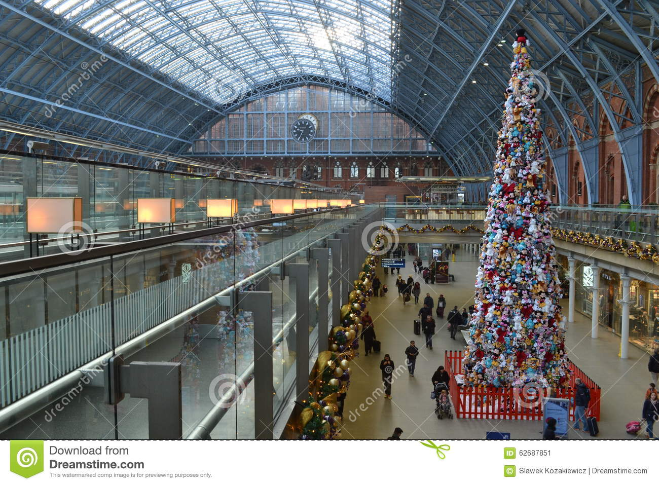 Soft Toy Christmas Tree St Pancras Station Editorial Photo.
