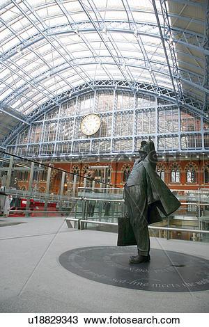 Stock Photo of England, London, St Pancras. Sir John Betjeman.