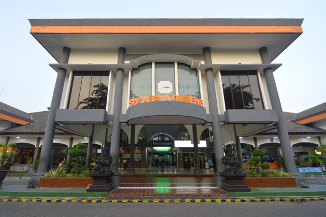 Stasiun Surabaya Gubeng.