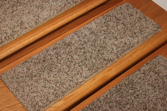 "8""x24"" Dog Assist Carpet Stair Treads."